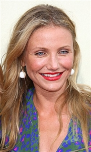 Cameron Diaz S Red Lipstick Looks Classic And Pretty