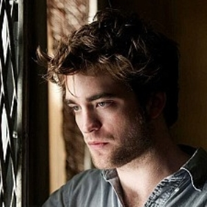 Does Robert Pattinson's messy hair get him work?