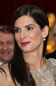 Sandra Bullock was sporting a sleek vintage hairstyle when she accepted her Oscar.