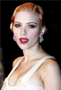Scarlett Johansson's vintage makeup style is pitch perfect for her Broadway debut.