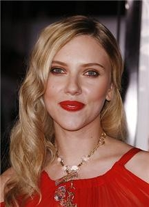 Scarlett Johansson tries out curly hair for
