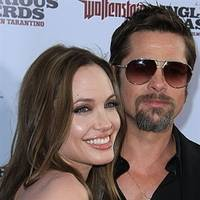 Brad Pitt is in dire need of men's shaving products!