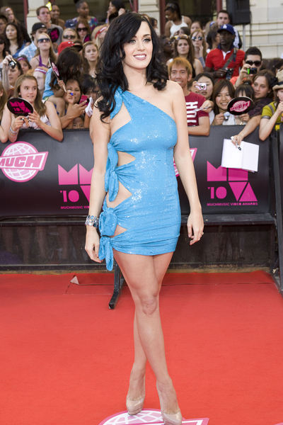Say what you want about her skin, but Katy Perry's got a rocking body as she showed at last month's MuchMusic Awards