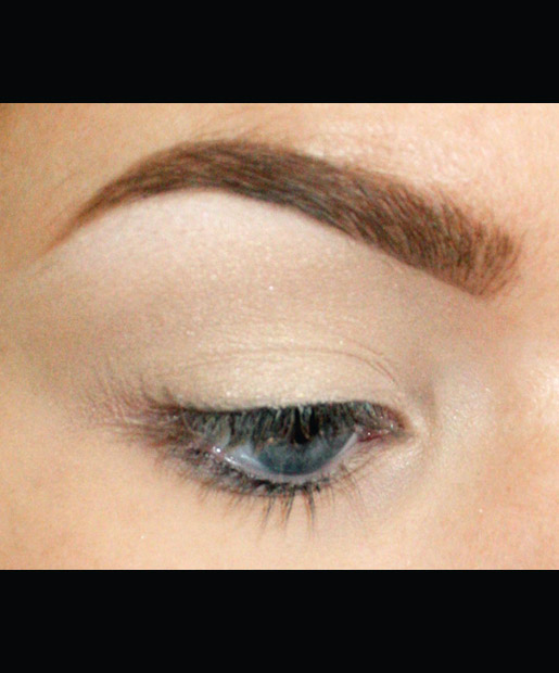 A Mind-Blowing Step-by-Step Guide to the Cut Crease
