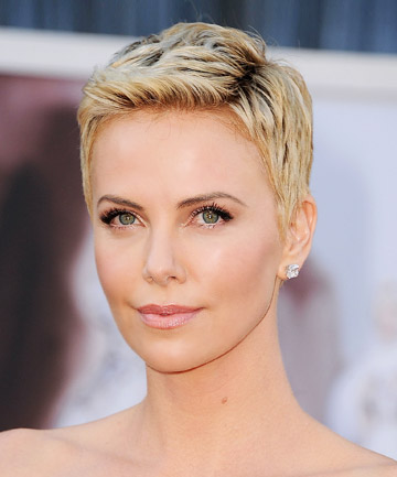 Charlize Theron S Attention Grabbing Pixie Cut 19 Gorgeous Pixie Cuts That Will Convince You To