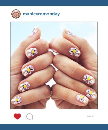 Mani of the Week: A Star Nail Blogger's Daisy Design