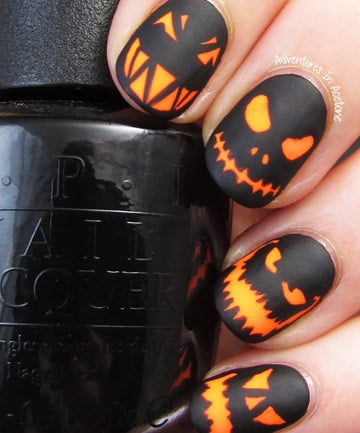 Glowing Jack-O'-Lantern Nails