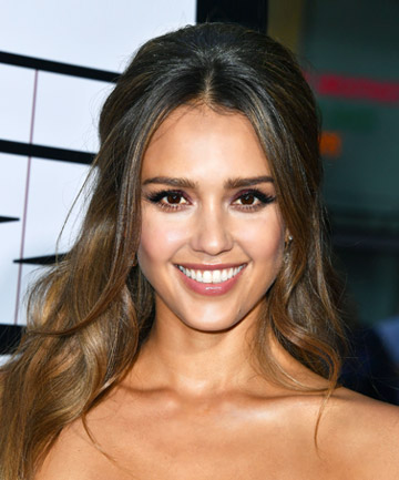 Look of the Day: Jessica Alba's Romantic Style