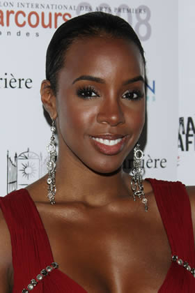 Oblong Best Kelly Rowland Best And Worst Celebrity Updos For Your Face Shape Page 10