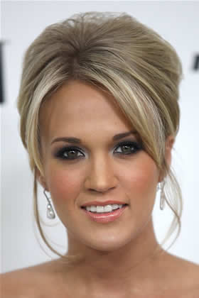Updo: Carrie Underwood