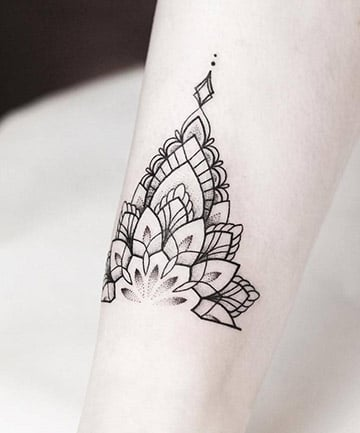 Anklet Half Mandala, 17 Mandala Tattoos That Bring Out ... - photo#29