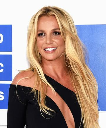 Look of the Day: Britney's VMAs Bombshell Blowout