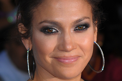 Makeup Dark Eyes and Large, Colors That Enhance the Look