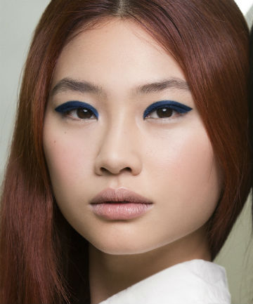 Look of the Day: Chanel Cruise's Navy Blue Winged Shadow