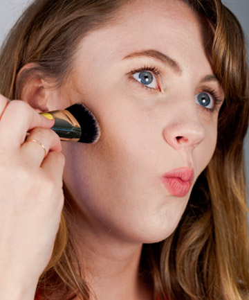 Contouring Step 2: Accentuate Your Cheekbones
