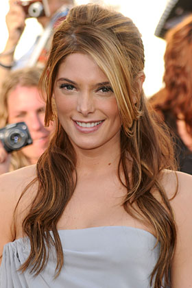 Heart Ashley Greene Best Curly Hairstyles For Your Face