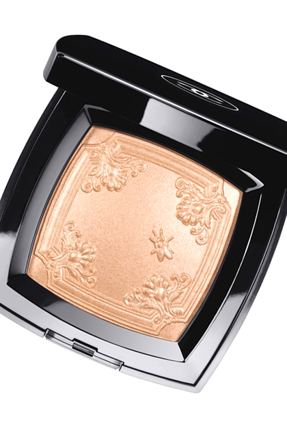 Chanel Mouche De Beaute Illuminating Powder, $80