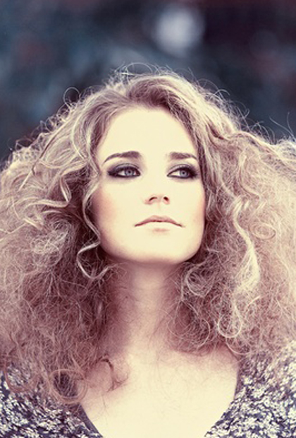 Amazing 8 Best Hairstyles For Frizzy Hair Hairstyles For Women Draintrainus
