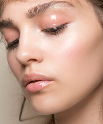 Glossy Makeup Products For The Entire Face