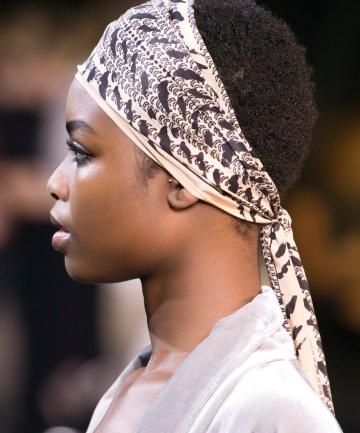 bc0960cd9f230 14 Ways to Wear a Headscarf