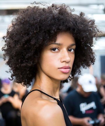Kinky hair and tight curls