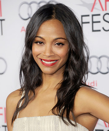 Zoe Saldana If You Simply Can T Part With Your Length Soft Layers Are Going To Be Key Keeping Fine Hair Shaped Not Stringy Light And Feathery Texture