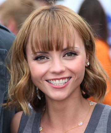 Haircuts For Heart Shaped Faces Short Hair With Bangs The Coolest