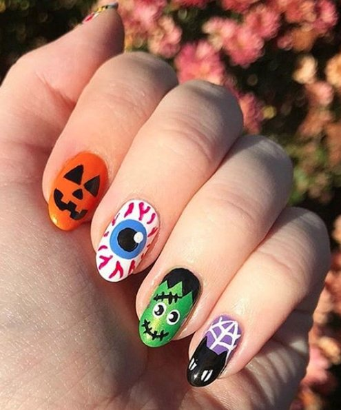 Spooky Halloween Nail Art to Dress Up Your Fingers