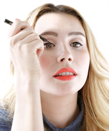 Liquid Eyeliner Tip No. 5: Don't Tug. Ever. Apply Like This Instead