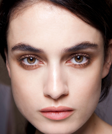 Eyebrow Tutorial: How to Fill in Eyebrows