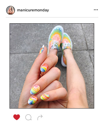 Mani of the Week: Rainbow Marble Nails