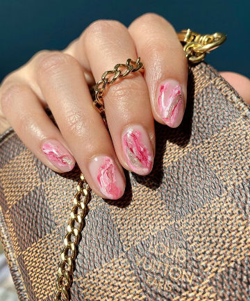 Mani of the Week: Easy Marbled Nails