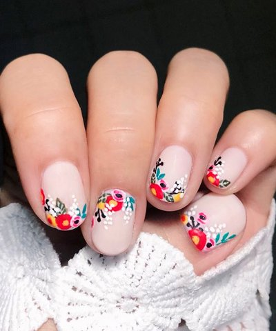 22 Pretty Flower Nail Designs For Spring