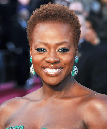 Viola Davis' Dyed Natural Hairstyle