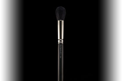 No. 1: MAC 109 Small Contour Brush, $32