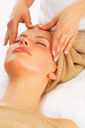 Get deep skin cleansing done at a spa