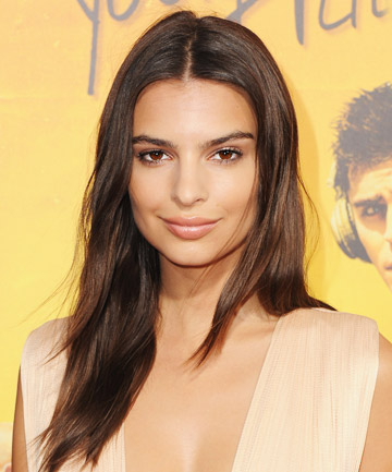 Look of the Day: Emily Ratajkowski's No-Makeup Makeup