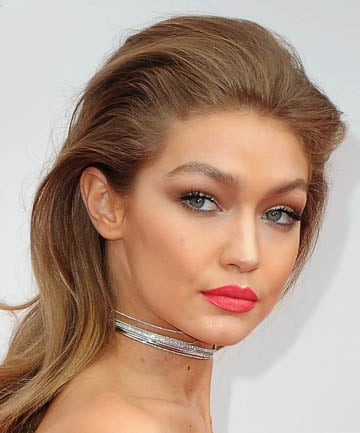 Look of the Day: Gigi Hadid's Tumbling Waves at the AMAs