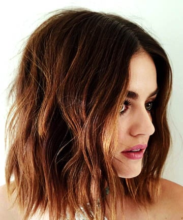 Soft Lucy Hale Has Long Had One Of The Best Short Haircuts In Hollywood Waviness Her Bob Gives It Lots Youthful Movement That S