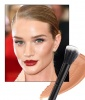 Rosie Huntington-Whiteley's Contoured Cheekbones