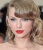Taylor Swift's Modern-Day Cat Eye