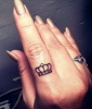 Finger Tattoos: Royal Treatment