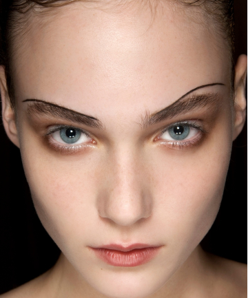 Pencil thin eyebrows