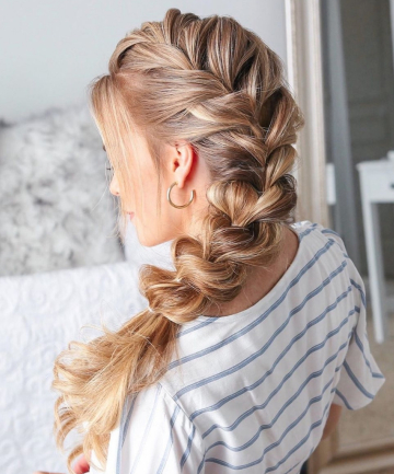 Simple Pull-Through Side Braid