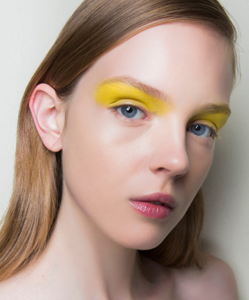 How to Wear Yellow Eye Shadow
