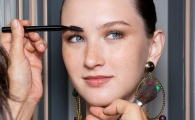 How to Tweeze Your Brows Like a Pro, According to, Well, a Pro