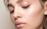 Glossy Makeup for When You Want Effortless, Sparkle-Free Shine