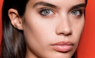 Want Flawless Cheekbones? Try These Makeup Artist Tips