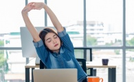 4 Super Easy Shoulder Stretches You Can Do Right From Your Desk