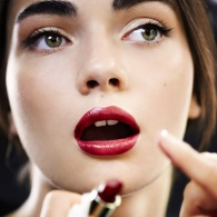How to Apply Lipstick Like a Makeup Artist